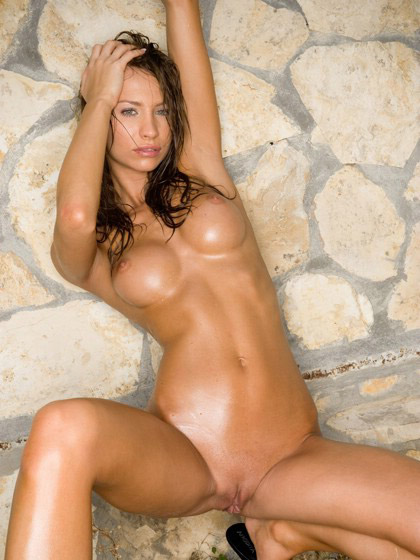 Stunning Nude Model Soaked In Baby Oil